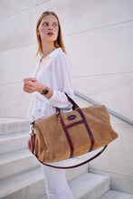 Load image into Gallery viewer, Vocco Hazelnut Weekender Leather Bag - Vocco