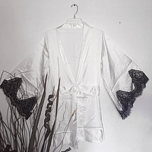 White Elegant Queen Robe
