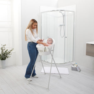 Shnuggle Baby Bath With Plug,Foam Backrest & Bath Stand
