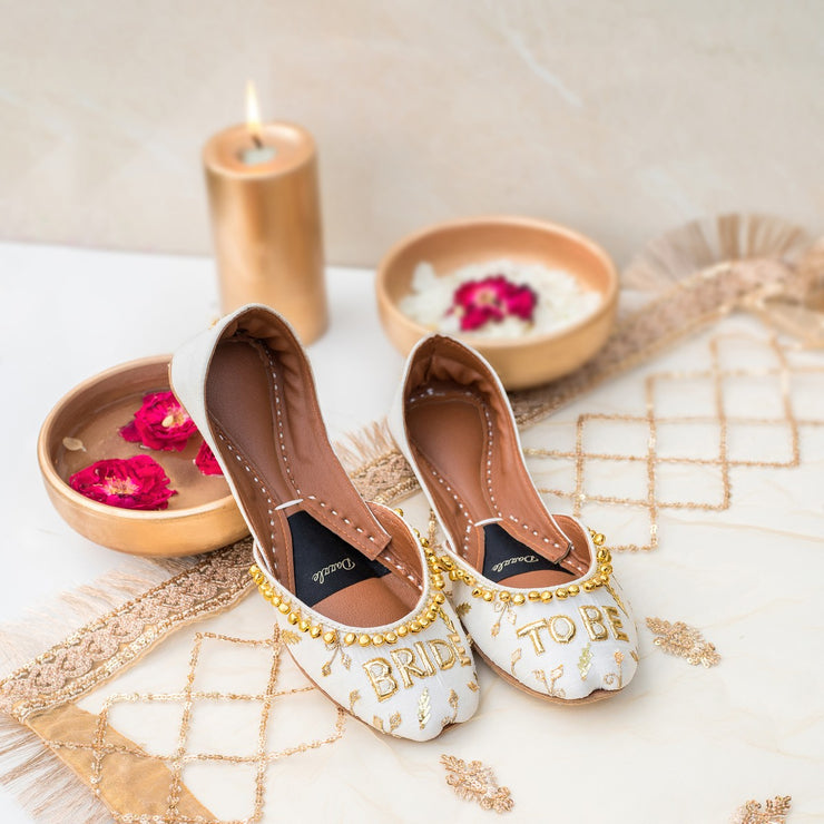 'Bride to-be' juttis