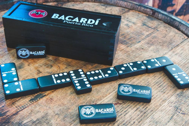 BACARDÍ Dominoes Set