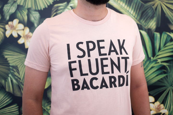 BACARDÍ T-Shirt I Speak Fluent BACARDÍ