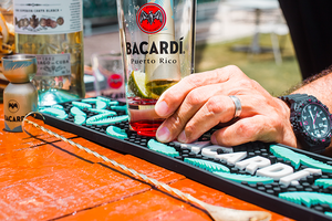 BACARDÍ Tropical Bar Rail