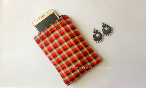 Multicolour checked Cell Phone Pouch