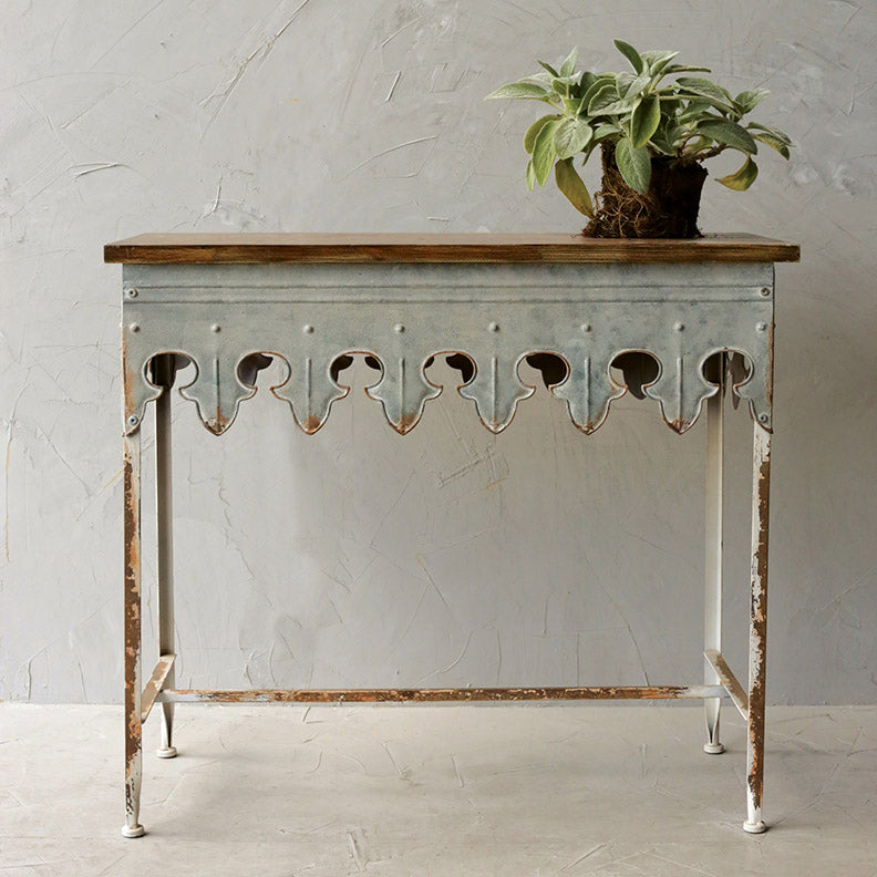 Distressed Metal Plant Table / Metal Table w/ Scalloped Edge