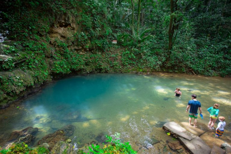 Belize: St. Herman's Cave and Blue Hole National Park - ExistTravels