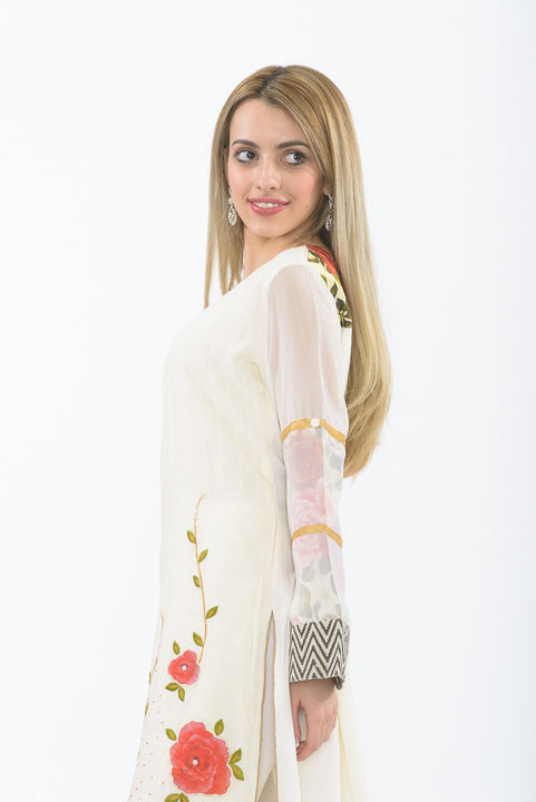 Off-white Floral Bloom Long Kurti - Side Close up