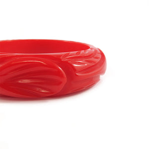 Vintage Bakelite carved bangle c.1950's