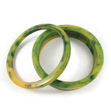 Load image into Gallery viewer, Sliced Bakelite spacer bangles c.1950's - marbled lemon + lime