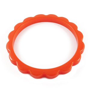 Scalloped Bakelite spacer bangle c.1950's - Burnt orange