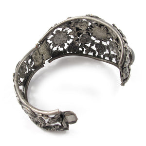 USA Vintage Floral Filigree Silver Tone Hinged Cuff with Cabachons