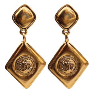 Stunning Vintage Chanel Teardrop Double CC Dangle Polished Gold Tone Earrings c. 1980s (Clip-on)