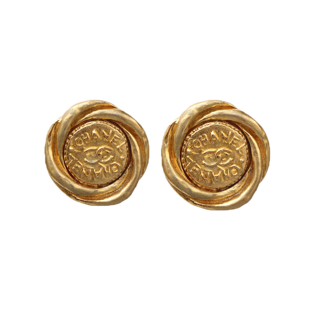Vintage Chanel Twisted Round CC Beaten Gold Earrings c. 1980s (Clip-on)