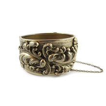 Load image into Gallery viewer, Vintage Repousee Gold Work Clamper Bangle