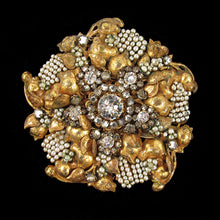 Load image into Gallery viewer, Signed Miriam Haskell brooch c. 1940