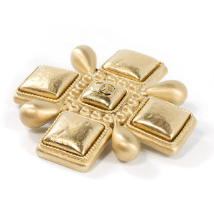 Chanel Vintage Signed Gold Maltese Cross Brooch - Pin - Spring 07
