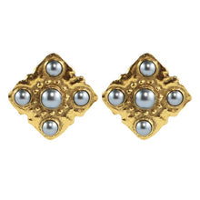 Load image into Gallery viewer, Chanel Vintage Signed Grey Faux Pearl Square Earrings c. 1980 (Clip-on)