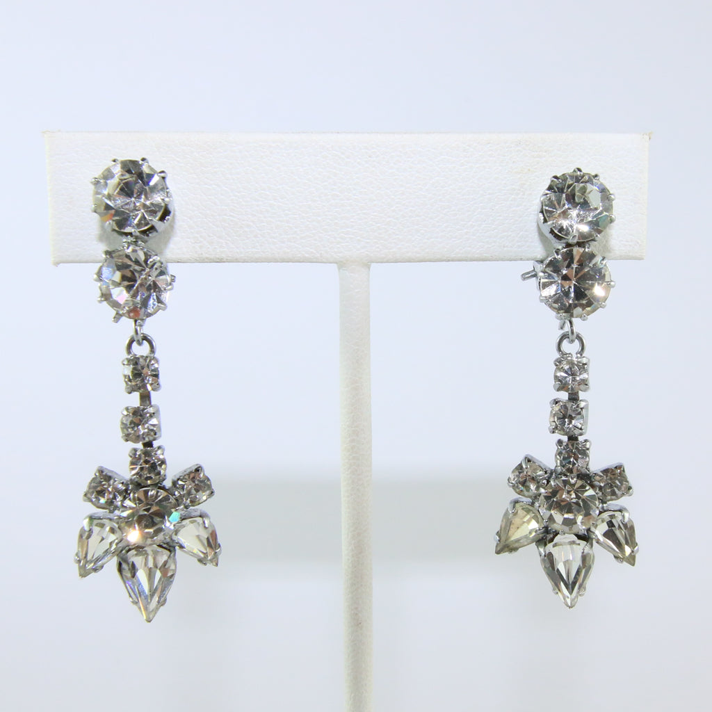 HQM Austrian Vintage Unsigned Drop Daisy Earrings (Clip-On)