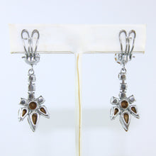 Load image into Gallery viewer, HQM Austrian Vintage Unsigned Drop Daisy Earrings (Clip-On)