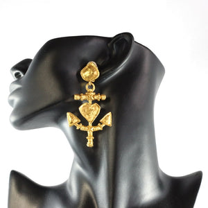 Christian Lacroix Signed Vintage Gold Tone Heart & Anchor earrings c.1990- (Clip-On Earrings)