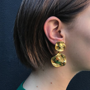 Polished Gold Tone Sculpted Drop Clip-On Earrings c.1980s