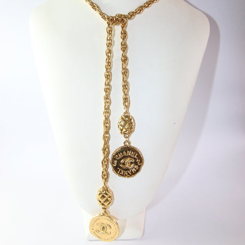 Signed Vintage Chanel Gold Plated Laurette Necklace
