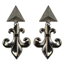 Load image into Gallery viewer, Lawrence VRBA Signed Statement Fleur De Lis Earrings (clip-on)