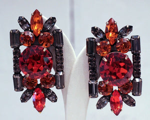 Mandel Earrings