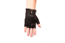 Load image into Gallery viewer, 100% Italian Leather Half Finger Driving Gloves Sun Protection