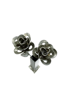 Two Metal Roses and Vase, Metal Roses with Vase, Steampunk Roses Centerpiece, Forever Roses.