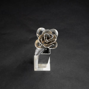 Metal Rose and Vase, Metal Rose and Vase Sculpture, Welded Roses, Immortal Rose and Vase.
