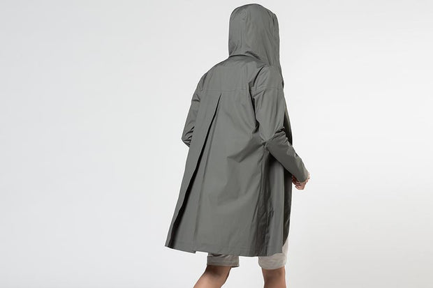 LIGHTWEIGHT RAINSHELL