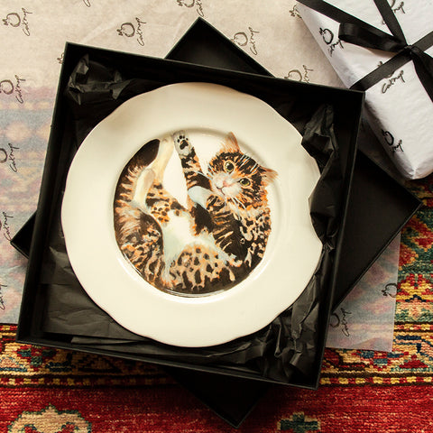 Theo Cat Plate (edged)