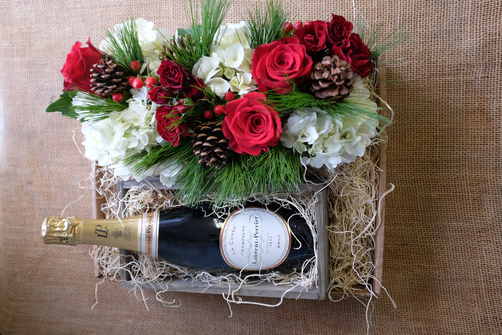 Christmas Centerpiece and Champagne Gift Set