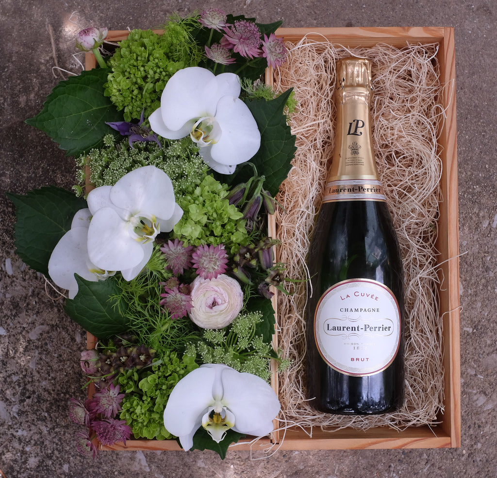 Champagne wine gift crate with flowers