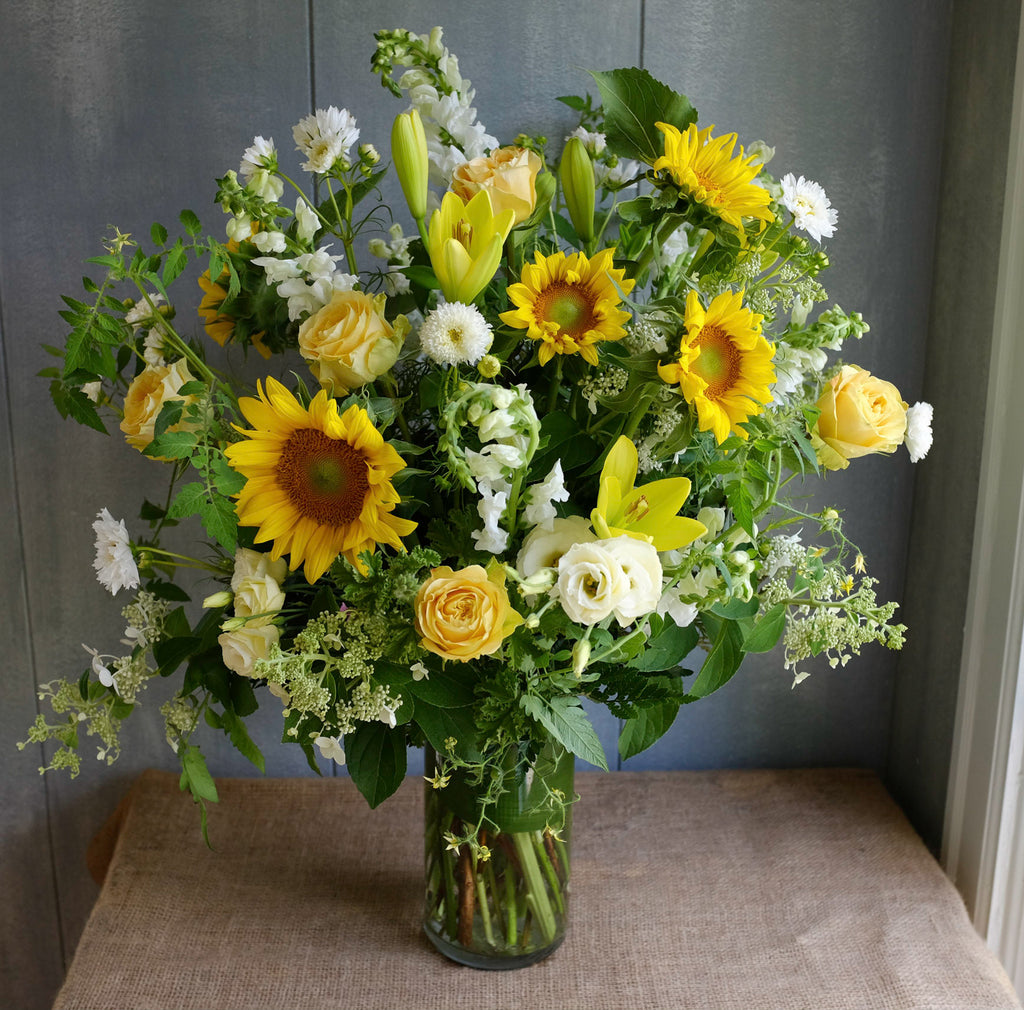 Large bouqet with sunflowers