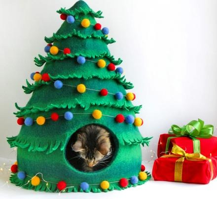 Your Cat Can Now Get a Christmas Tree Cat Bed To Sleep In Through The Holidays