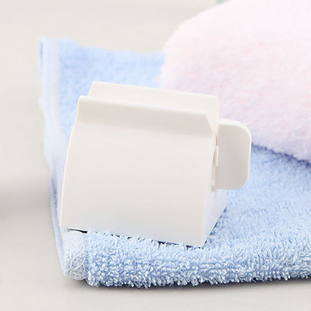 Rolling Toothpaste Tube Squeezer - Soldify