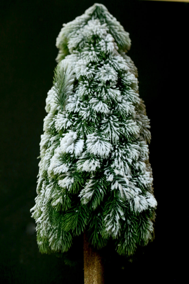 Artificial Christmas Snow Flaked Christmas Tree with Realistic Wodden Stand