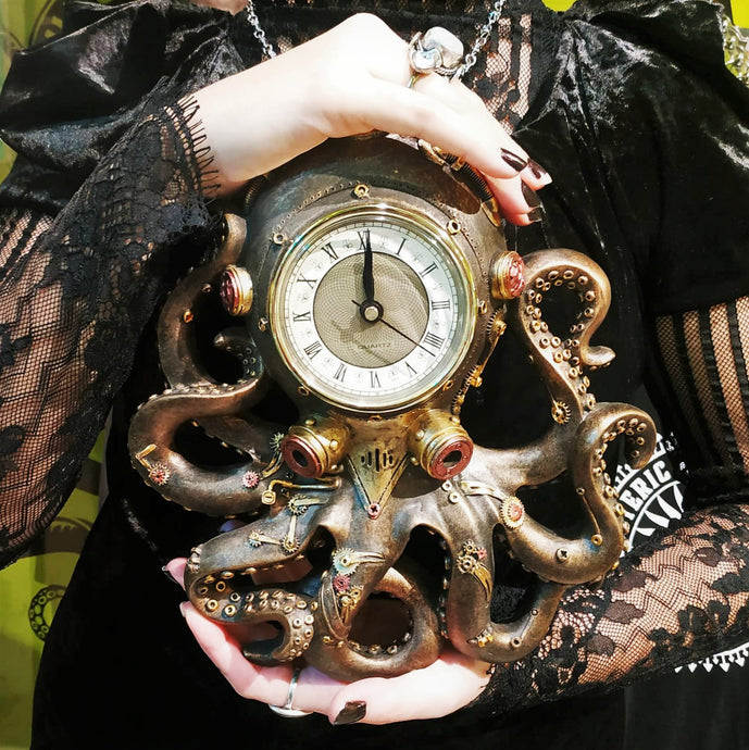 Steampunk Octopus Clock