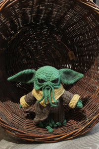 Baby Ythulhu wool doll by Kutuleras