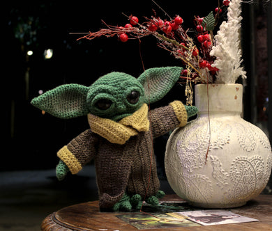 Baby Yoda wool doll by Kutuleras