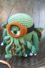 Load image into Gallery viewer, Muñeco Cthulhu Minion