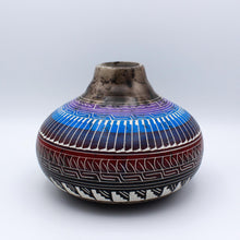 Load image into Gallery viewer, Navajo Horsehair Pottery
