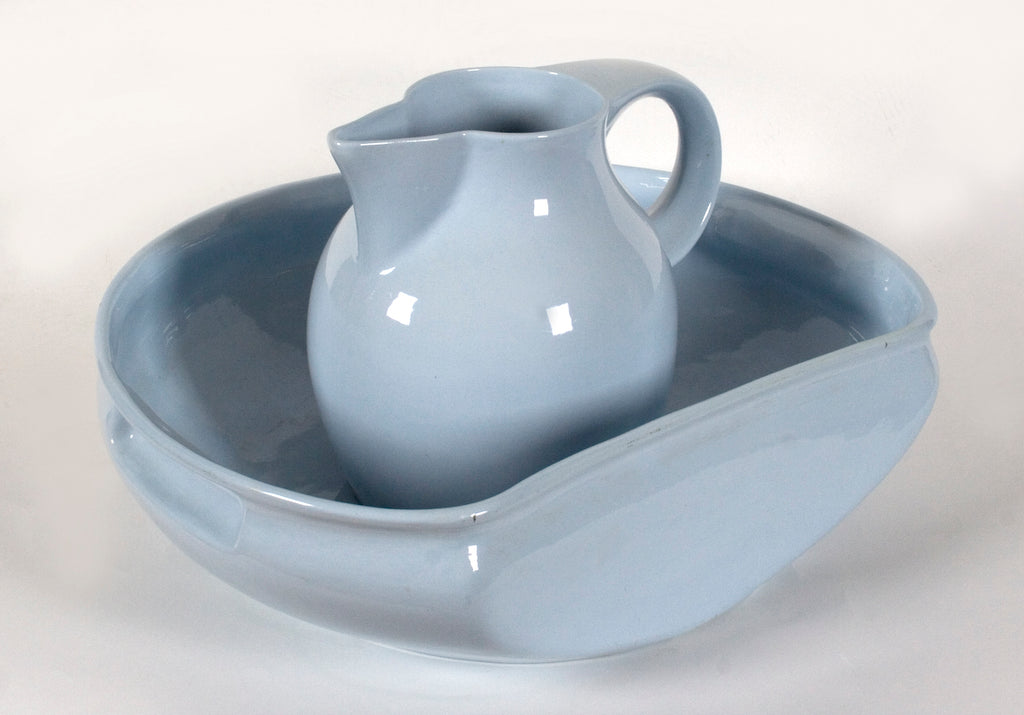 <b>KOLOMON MOSER</b><br>WASH BASIN AND PITCHER, CIRCA 1901</br>