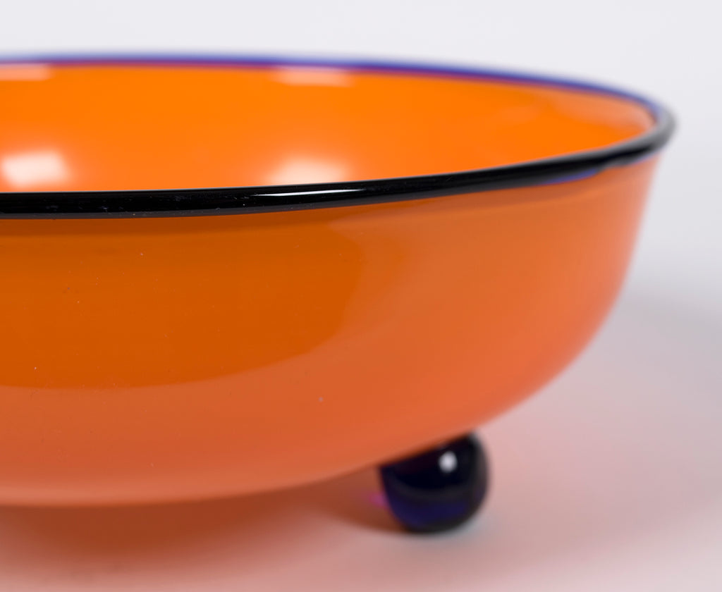 <b>3 FOOTED BOWL</b><br> CIRCA 1920 -30</br>