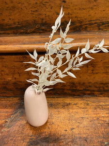 Dried White Ruscus in Kinto SACCO Porcelain Vase (Pink)
