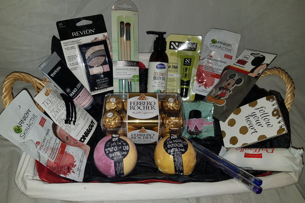Women's pamper gift bag deal - Hatty's Hampers