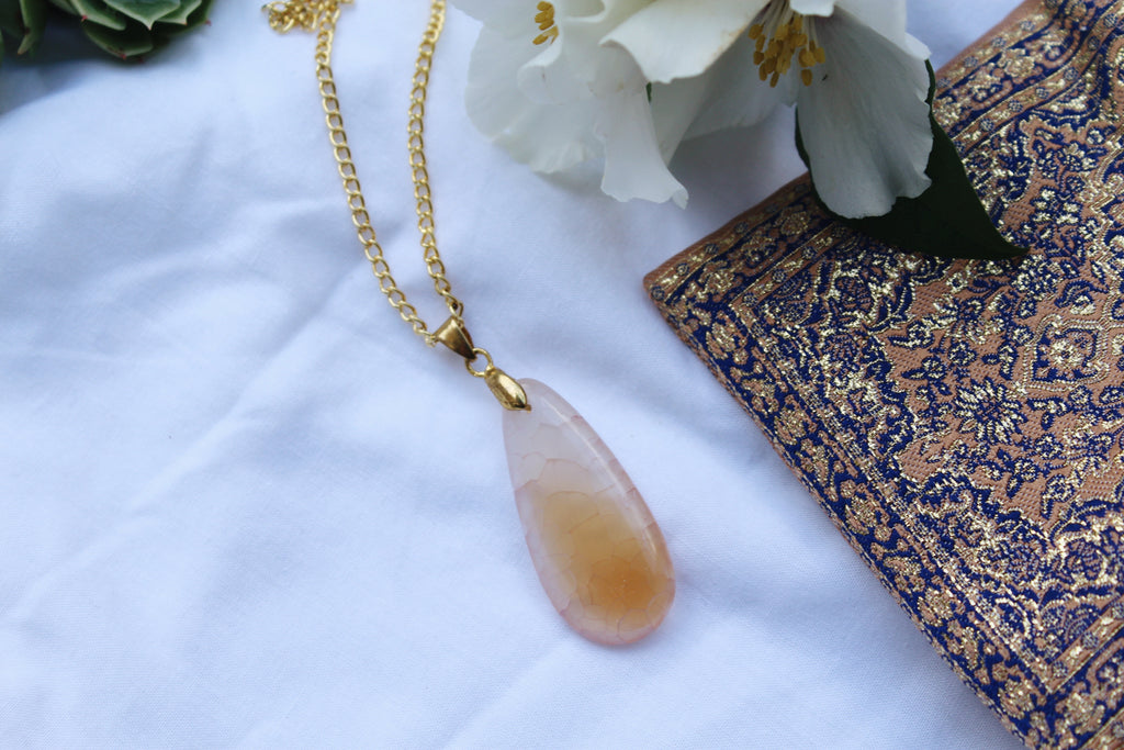 Kiera Calcite Gold Necklace