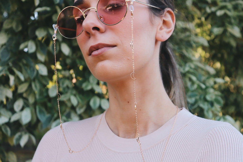 Amaris Semi-Moon Sunglasses Chain